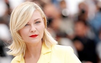 CANNES, FRANCE - MAY 11:  Kirsten Dunst attends the Jury Photocall during the 69th Annual Cannes Film Festival at the Palais des Festivals on May 11, 2016 in Cannes, France.  (Photo by Pascal Le Segretain/Getty Images)