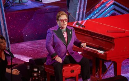 Elton John rinvia il Farewell Yellow Brick Road Tour al 2023