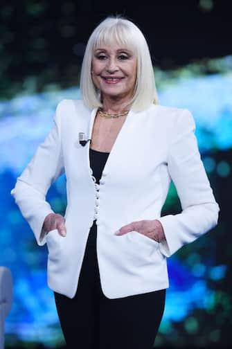 "MILAN, ITALY - NOVEMBER 17:  Raffaella Carrà attends ""Che Tempo Che Fa"" tv show on November 17, 2019 in Milan, Italy. (Photo by Stefania D'Alessandro/Getty Images)"