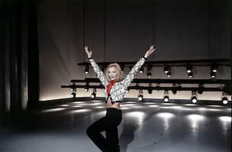 Italian TV presenter, actress, singer and showgirl Raffella Carrà (Raffaella Maria Roberta Pelloni) dancing in the TV show Canzonissima. Italy, 1971. (Photo by Rino Petrosino/Mondadori via Getty Images)
