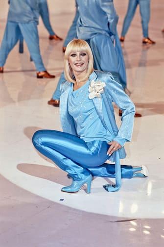 Italian TV presenter, actress, singer and showgirl Raffaella Carrà (Raffaella Maria Roberta Pelloni) dancing in the TV music show Millemilioni. Italy, 1981. (Photo by Giorgio Ambrosi/Mondadori via Getty Images)