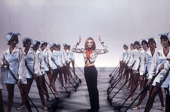 Italian TV presenter, actress, singer and showgirl Raffella Carrà (Raffaella Maria Roberta Pelloni) dancing with the corps de ballet of the TV music show Canzonissima. Italy, 1971. (Photo by Rino Petrosino/Mondadori via Getty Images)