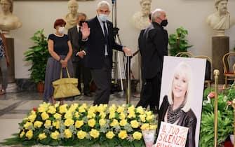 Raffaella Carrà secondo Giorno di Camera Ardente. Nella foto: Pier Ferdinando Casinsi e  Sergio Japio
