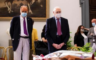 Conductors Renzo Arbore and Pippo Baudo at the funeral home set up for Raffaella Carrà in the Protomoteca hall of Rome's Capitol, 07 July 2021. The worldwide famous artist died on 05 July, at 78, due to an illness. ANSA / Massimo Percossi