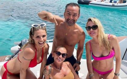 Michelle Hunziker in vacanza con Nicola Savino e Ilary Blasi