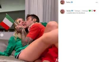 Esultanza Fedez e Chiara Ferragni vittoria Euro 2020