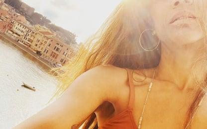 Vacanze in Italia, Zoe Saldana: la star di Avatar in Liguria e Toscana