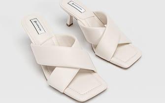 Sandali con tacco imbottito