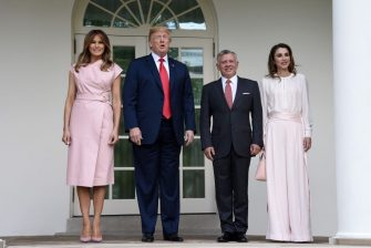 WASHINGTON, DC - JUNE 25: U.S. President Donald Trump and first lady Melania Trump greet King Abdullah II and Queen Rania of Jordan on their arrival at the South Portico of the White House on June 25, 2018 in Washington, DC. (Photo by Olivier Douliery-Pool/Getty Images)