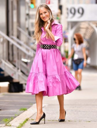 """NEW YORK, NEW YORK - JULY 19:  Sarah Jessica Parker seen on the set of """"And Just Like That..."""" the follow up series to """"Sex and the City"""" in NoHo on July 19, 2021 in New York City. (Photo by James Devaney/GC Images)"""
