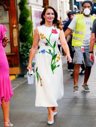 """NEW YORK, NEW YORK - JULY 23:  Kristin Davis films scenes for """"And Just Like That..."""" on July 23, 2021 in New York City.  (Photo by Gotham/GC Images)"""