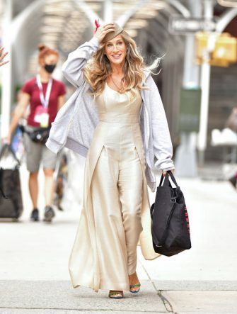 """NEW YORK, NEW YORK - JULY 14:  Sarah Jessica Parker seen on the set of """"And Just Like That..."""" the follow up series to """"Sex and the City"""" in NoHo on July 14, 2021 in New York City. (Photo by James Devaney/GC Images)"""