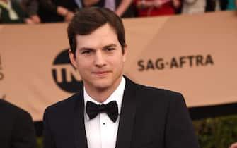 Ashton Kutcher kika