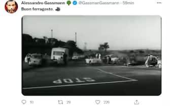Alessandro Gassman fa gli auguri di Ferragosto sul suo profilo Twitter