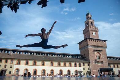 Roberto Bolle, al via Ondance: edizione dedicata a Carla Fracci. VIDEO
