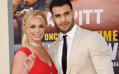 Britney Spears annuncia il fidanzamento con Sam Asghari