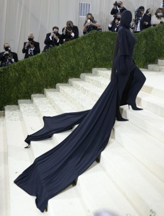 epa09466874 Kim Kardashian poses on the red carpet for the 2021 Met Gala, the annual benefit for the Metropolitan Museum of Art's Costume Institute, in New York, New York, USA, 13 September 2021. The event coincides with the Met Costume Institute's first two-part exhibition, 'In America: A Lexicon of Fashion' which opens 18 September 2021, to be followed by 'In America: An Anthology of Fashion' which opens 05 May 2022 and both conclude 05 September 2022.  EPA/JUSTIN LANE