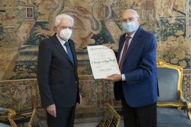 Pippo Baudo riceve l'onorificenza di Cavaliere di Gran Croce