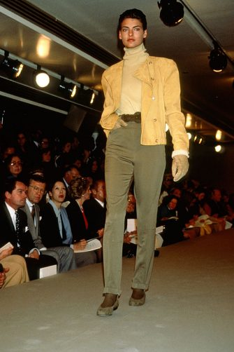 NEW YORK, NY - CIRCA 1989: Linda Evangelista at the Calvin Klein Fashion Show circa 1989 in New York City. (Photo by Images Press/IMAGES/Getty Images)