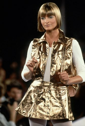 NEW YORK, NY - CIRCA 1993: Linda Evangelista at the Anna Sui Spring 1994 show circa 1993 in New York City. (Photo by Raoul/IMAGES/Getty Images)