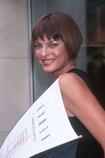 """Linda Evangelista during Kenar Hosts """"April Showers"""" To Benefit Breast Cancer Research at Madison Avenue in New York City, New York, United States. (Photo by Ron Galella, Ltd./Ron Galella Collection via Getty Images)"""