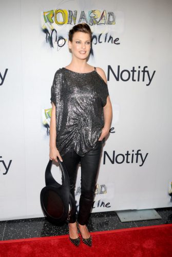 NEW YORK CITY, NY - SEPTEMBER 15: Linda Evangelista attends LINDA EVANGELISTA & NOTIFY Party to Celebrate RON ARAD at MoMA at The Modern Museum of Art on September 15, 2009 in New York City. (Photo by CLINT SPAULDING/Patrick McMullan via Getty Images)