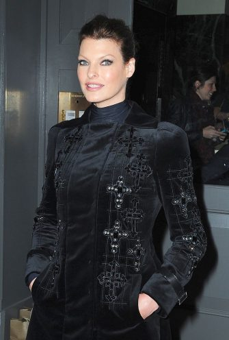 NEW YORK, NY - OCTOBER 24: Linda Evangelista attends a cocktail party at the Versace Boutique on October 24, 2012 in New York City. (Photo by Alo Ceballos/FilmMagic)