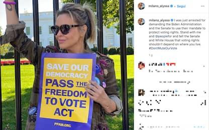 Alyssa Milano arrestata di fronte alla Casa Bianca
