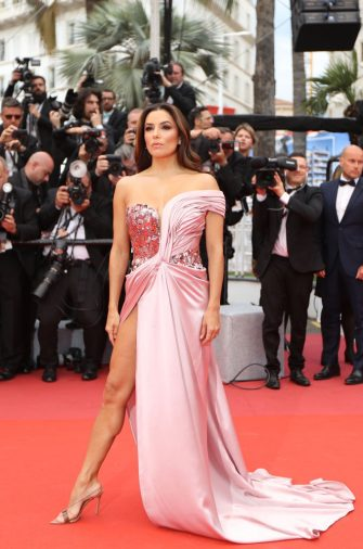 """TOPSHOT - US actress Eva Longoria poses as she arrives for the screening of the film """"The Dead Don't Die"""" during the 72nd edition of the Cannes Film Festival in Cannes, southern France, on May 14, 2019. (Photo by Valery HACHE / AFP) (Photo by VALERY HACHE/AFP via Getty Images)"""