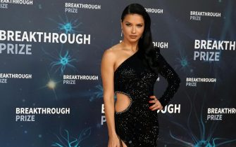 epa07971061 Brazilian model and actress Adriana Lima poses on the red carpet before the eighth annual Breakthrough Prize Awards, held at the NASA Ames Research Center in Mountain View, California, USA, 03 November 2019. The Breakthrough Prize is awarded annually, and recognizes the world's top scientists. Considered the world's most generous science prize, each Breakthrough Prize is three million US dollar and presented in the fields of Life Sciences (up to four per year), Fundamental Physics (one per year) and Mathematics (one per year).  EPA/MONICA M. DAVEY