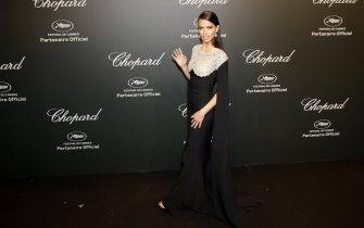 epa05975295 Brazilian model Adriana Lima attends the Chopard party during the 70th annual Cannes Film Festival in Cannes, France, 19 May 2017. The festival runs from 17 to 28 May.  EPA/SEBASTIEN NOGIER