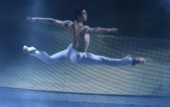 Italian ballet dancer Roberto Bolle performs on stage during the Sanremo Italian Song Festival at the Ariston theater in Sanremo, Italy, 13 February 2016. The 66th Festival della Canzone Italiana runs from 09 to 13 February.    ANSA/CLAUDIO ONORATI