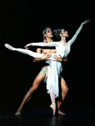 Excelsior 2001/2002 coreografia Ugo Dell'Ara da Luigi Manzotti direttore: Paul Connelly regia Filippo Crivelli nella foto: Viviana Durante, Roberto Bolle