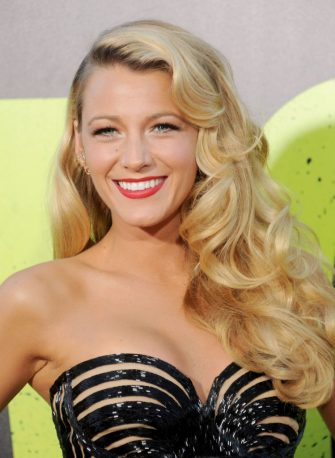 """WESTWOOD, CA - JUNE 25: Actress Blake Lively arrives at the Los Angeles premiere of """"Savages"""" at Mann Village Theatre on June 25, 2012 in Westwood, California.  (Photo by Gregg DeGuire/WireImage)"""