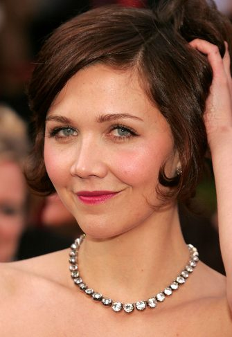 HOLLYWOOD - FEBRUARY 27:  Actress Maggie Gyllenhaal arrive at the 77th Annual Academy Awards at the Kodak Theater on February 27, 2005 in Hollywood, California.  (Photo by Carlo Allegri/Getty Images)
