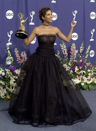 """377855 06: Actress Halle Berry poses with her award for """"Lead Actress in a Miniseries or a Movie"""" in ''Dorothy Dandridge"""" backstage at the 52nd Annual Primetime Emmy Awards September 10, 2000 in Los Angeles, CA. (Photo by David McNew/Newsmakers)"""