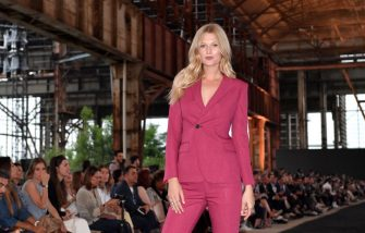 MILAN, ITALY - JUNE 14: Toni Garrn attends the Ermenegildo Zegna fashion show during the Milan Men's Fashion Week Spring/Summer 2020 on June 14, 2019 in Milan, Italy. (Photo by Jacopo Raule/Getty Images)