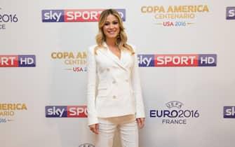 Diletta Leotta posa durante una conferenza stampa di Sky Sport a Roma, 12 maggio 2016. L'emittente satellitare ha presentato il palinsesto dell'estate che prevede, su tutto, gli Europei di calcio in Francia e la Coppa America. ANSA/UFFICIO STAMPA SKY SPORT ++ NO SALES, EDITORIAL USE ONLY ++