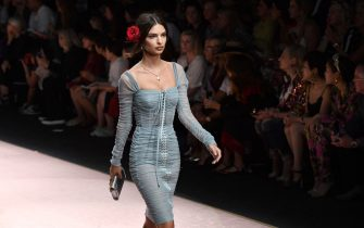 MILAN, ITALY - SEPTEMBER 23:  Emily Ratajkowski walks the runway at the Dolce & Gabbana show during Milan Fashion Week Spring/Summer 2019 on September 23, 2018 in Milan, Italy.  (Photo by Jacopo Raule/Getty Images)