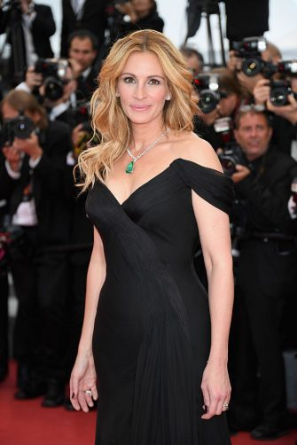 """CANNES, FRANCE - MAY 12:  Us actress Julia Roberts attends the """"Money Monster"""" premiere during the 69th annual Cannes Film Festival at the Palais des Festivals on May 12, 2016 in Cannes, France.  (Photo by Venturelli/WireImage)"""