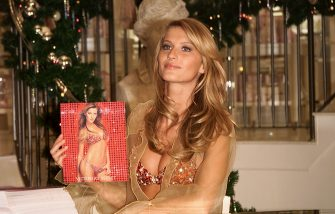 Supermodel Gisele Bundchen shows-off the $15 million 'Fantasy Bra' at the grand opening of Victoria's Secret Lincoln Center-area store on Broadway, New York City. 12/7/2000. Photo: Evan Agostini/ImageDirect