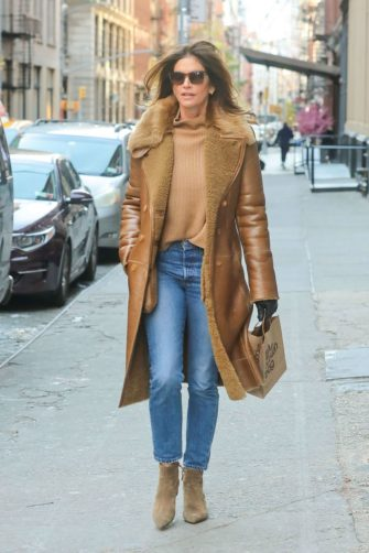 NEW YORK, NY - NOVEMBER 09: Cindy Crawford is seen on November 09, 2019 in New York City.  (Photo by BG024/Bauer-Griffin/GC Images)