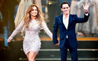 [galleria](KIKA) - LOS ANGELES -Jennifer Lopezcompie52anni. La star di origini portoricane è nata il 24 luglio del 1969 a Castle Hill ed è cresciuta a New York.GUARDA ANCHE:L'uomo in più di Jennifer Lopez? à luià proprio nella grande mela che la diva muove i primi passi nel mondo dello spettacolo. Il successo la porta a Los Angeles, dove consolida la sua carriera nellamusica e nel cinema.Tanti amori, successi impossibili da contare e una bellezza che rimane ancora oggi senza tempo:nonostante le cinquanta candeline, infatti,JLoha un corpo da urlo, il viso di una ragazzina senza l'aiuto di punturine o altri interventi chirurgici e una classe che l'intero showbiz le ha da sempre riconosciuto.GUARDA ANCHE:Jennifer Lopez: tutti i suoi look più sexyQuella di Jennifer Lopez è una carriera che non conosce freni,scandali o scheletri nell'armadio. Ecco tutto quello che non sapete su JLo:amori, carriera e segreti di bellezza.