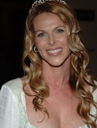 22 April 2005 - Century City, California - Catherine Oxenberg. The 12th Annual Race to Erase MS Co-Chaired by Tommy Hilfiger and Nancy Davis at the Century Plaza Hotel.