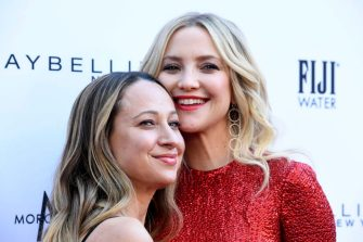 BEVERLY HILLS, CALIFORNIA - MARCH 17: (L-R) Jennifer Meyer, Kate Hudson attend The Daily Front Row's 5th Annual Fashion Los Angeles Awards at Beverly Hills Hotel on March 17, 2019 in Beverly Hills, California. (Photo by Frazer Harrison/Getty Images)