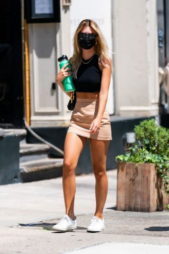 NEW YORK, NEW YORK - JULY 12: Emily Ratajkowski is seen in Tribeca on July 12, 2020 in New York City. (Photo by TheStewartofNY/GC Images)