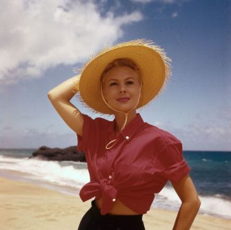 1958:  American actress Mitzi Gaynor visits Hawaii to film the Rodgers and Hammerstein musical 'South Pacific'.  (Photo by Keystone/Getty Images)
