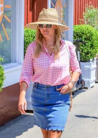 LOS ANGELES, CA - JULY 19: Reese Witherspoon is seen on July 19, 2018 in Los Angeles, California.  (Photo by BG004/Bauer-Griffin/GC Images)