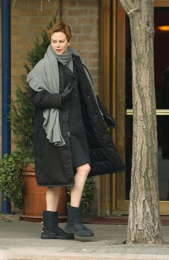 NEW YORK - FEBRUARY 20:  ***EXCLUSIVE*** (ITALY, NEW YORK NEWS AND NEWSDAY OUT)  Nicole Kidman walks in front of the San Domenico restaurant while filming a movie in Central Park February 20, 2004 in New York City.  (Photo by Arnaldo Magnani/Getty Images)