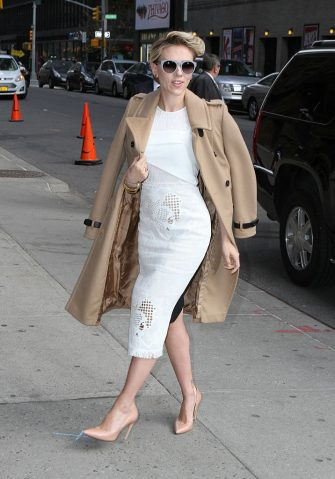 NEW YORK, NY - APRIL 27: Scarlett Johansson is seen in New York City on April 27, 2015 in New York City.  (Photo by Nancy Rivera/Bauer-Griffin/GC Images)